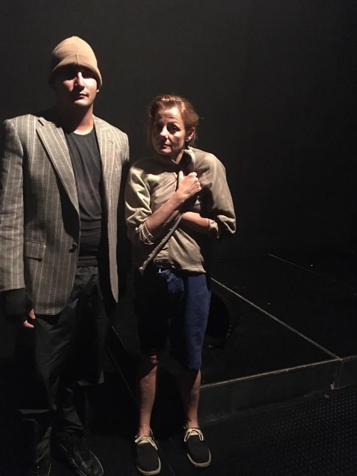 actor y actriz en obra de arrabl